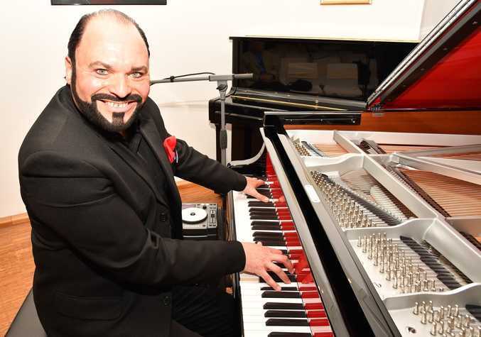 Marc Masconi am Steinway & Sons Red Pops SPIRIO